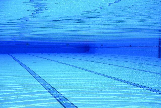 čáry v bazénu.jpg
