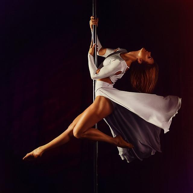 tanec u tyče